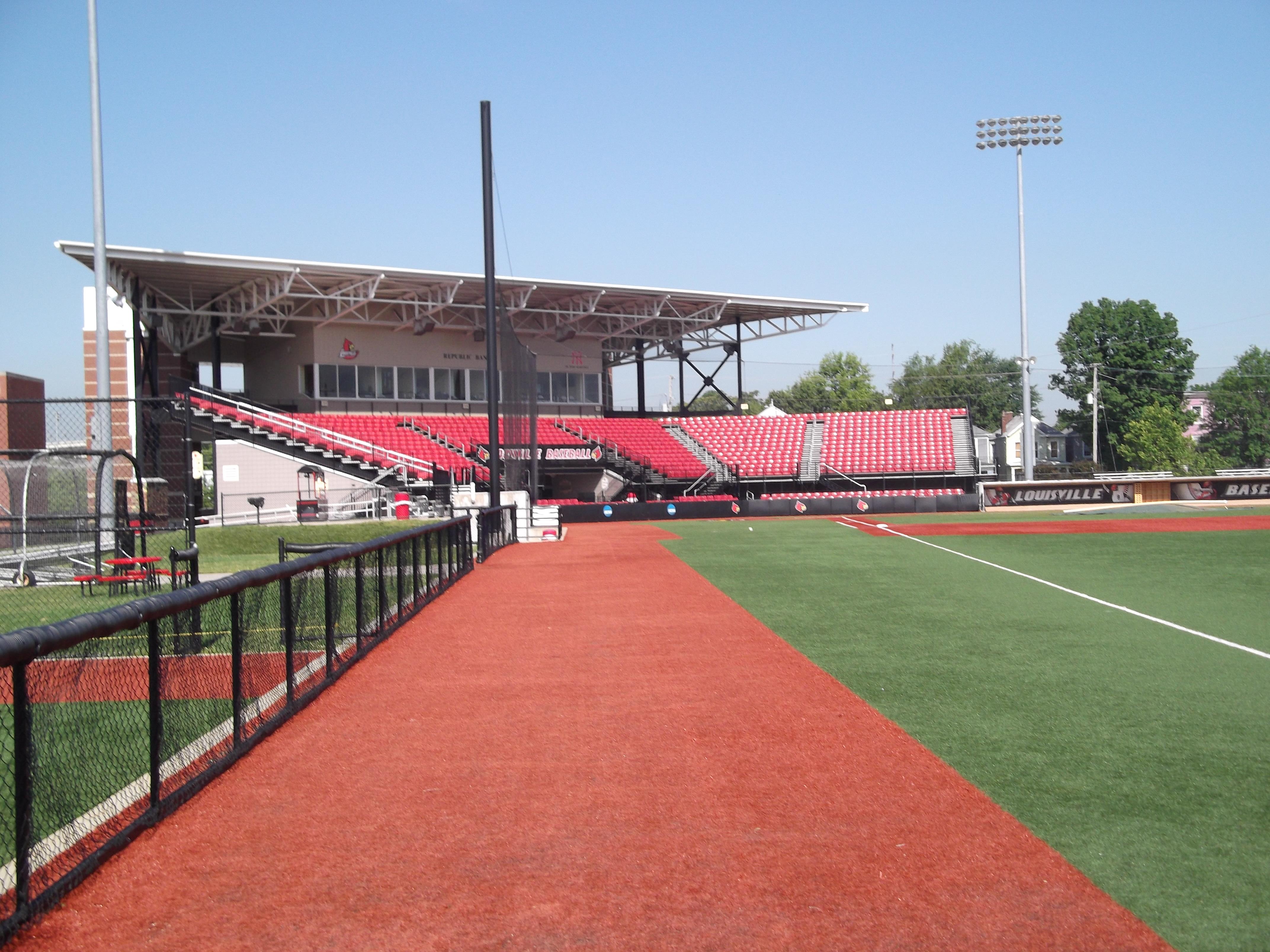 Uofl Patterson Field 002 Professional Fence Co